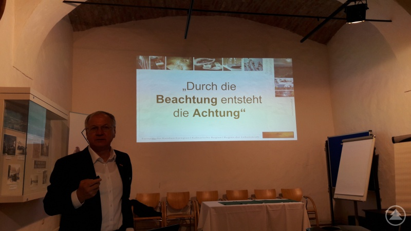 Josef Ober, Vulkanland Obmann und Bürgermeister von Feldbach bei seinem Vortrag.