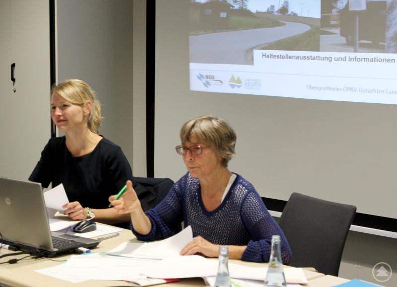 Dr. Stefanie Duarte Fernandes (li.) und Christina Wibmer, sie führten durch den Workshop.