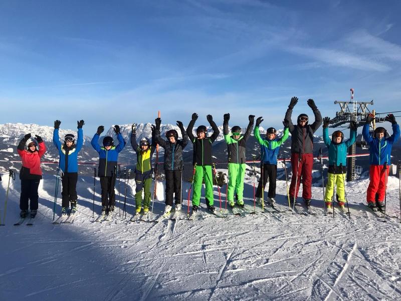 Allen Grund zum Jubeln bot das Traumwetter den Grafenauer Realschülern bei der Wintersportwoche in Wagrain.