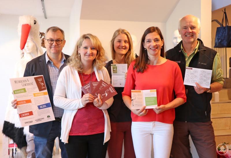 Im Zeichen der Störche steht die Arbeit des Organisationsteams um Rudi Mautner (von links), Karin Friedl, Paula Moosbauer, Evi Blach und Lukas Laux.