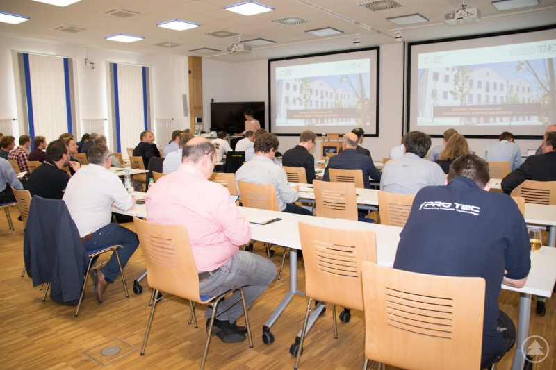 Unternehmer und Forscher diskutierten in den Räumlichkeiten des Technologie Campus Grafenau zu verschiedenen Aspekten der Vorausschauenden Instandhaltung.