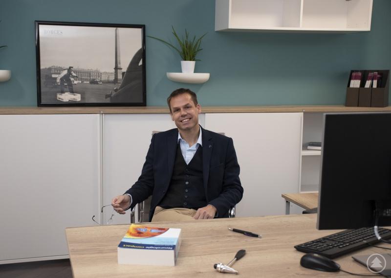 Prof. Dr. med. Tobias Schmidt-Wilcke, MA an seiner neuen Wirkungsstätte