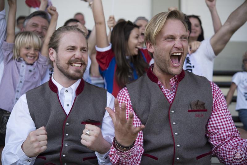 Ob im Stadion oder auf dem Oktoberfest: mit der FCB-Fan-Kollektion von Spieth & Wensky kann man zeigen, für welchen Verein das Herz schlägt.