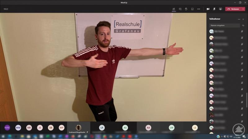 Aktivcoach Florian Hacker brachte die Grafenauer Realschüler, deren Eltern und Lehrkräfte per Video richtig zum Schwitzen.