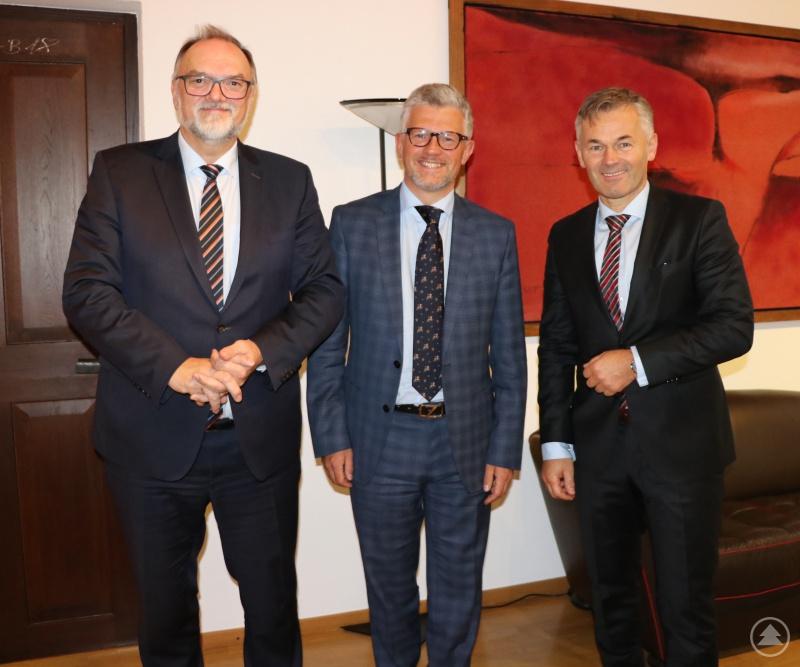 Oberbürgermeister Jürgen Dupper, seine Exzellenz Dr. Andrij Melnyk, Wirtschaftsreferent Werner Lang