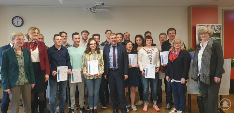 Die stolzen P-Seminaristen von Markus Klapper freuen sich über ihre Auszeichnung.