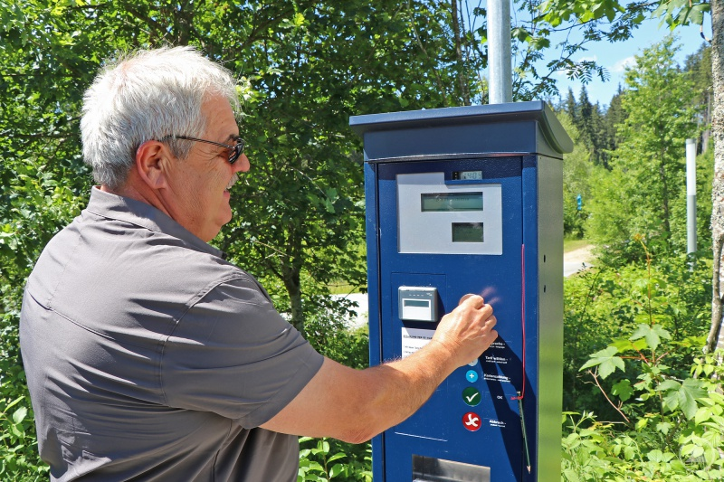 Ab sofort steht am Parkplatz des Nationalparkzentrums Falkenstein ein Parkscheinautomat zur Verfügung.