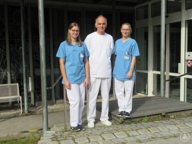 Facharzt für Innere Medizin, Kardiologie Ulrich Sterr vom MVZ WK mit Mitarbeiterinnen