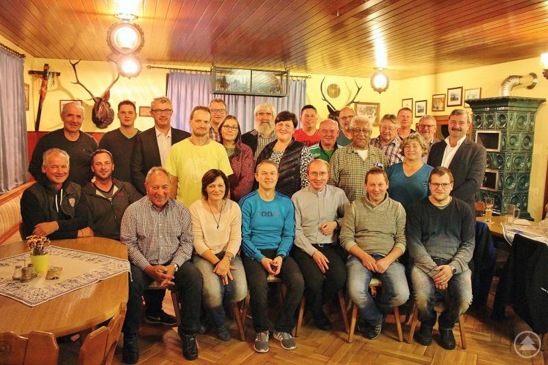 Die Mitglieder des Vereinsforums, also die Vertreter der Dorfvereine haben sich ordentlich ins Zeug gelegt, um das 400-Jahr-Jubiläum des Dorfes Herzogsreut gebührend feiern zu können.