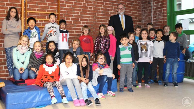 Oberbürgermeister Jürgen Dupper bei seinem Dankesbesuch im Städtischen Kinderhort Stadtzentrum.