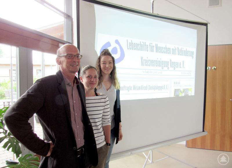 Sozialamtsleiter Horst Kuffner mit den Referentinnen Anja Stadler, Fachdienstes für Qualitäts- und Gesundheitsvorsorge sowie Miriam Kirsch, Ausbildungsbeauftragte, beide Lebenshilfe.
