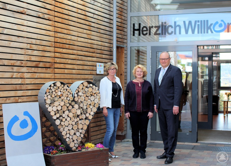 v. l.: Grazyna Dzideczek, PStn Rita Hagl-Kehl, Helmut Denk