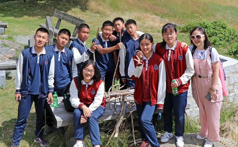 Ein Teil der chinesischen Besuchergruppe, die im Jugendwaldheim zu Gast war.