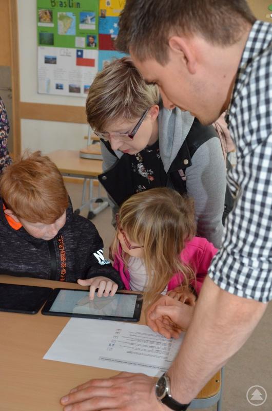 Die Bedienung der Tablets erfordert Fingerspitzengefühl im Mathematikunterricht.