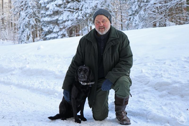 35 Jahre lang war Werner Kirchner im Nationalpark als Förster tätig. Nun gehen er und seine Hündin Feli in den wohlverdienten Ruhestand.