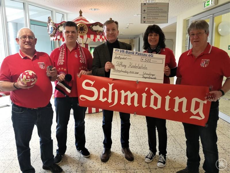 (v.l.) Willi Eder (2. Vorsitzender), Michael Madl (Beisitzer), Stiftungsvorstand Dr. Josef Sonnleitner, Lydia Krückl (Kassier) und Alfons Krückl (1. Vorsitzender).