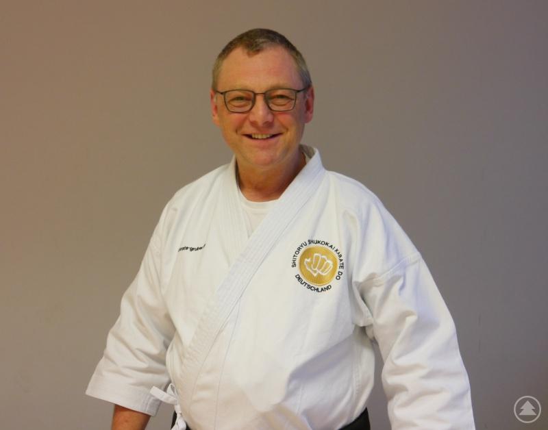 Der Leiter der SANKAN-Kampfkunstschule, Paul Gruber.