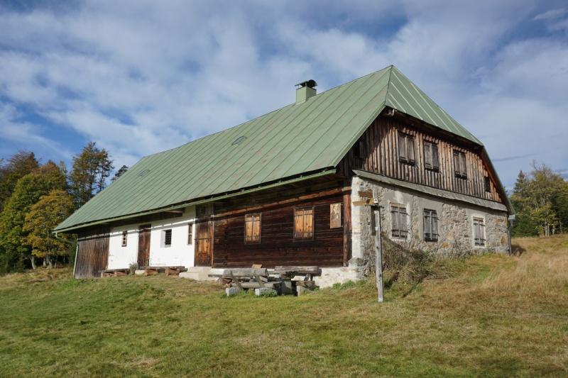 Früher diente das Schachtenhaus als Unterkunft für Waldarbeiter. (Foto: Dr. Franz Leibl/Nationalpark Bayerischer Wald – Freigabe nur in Verbindung mit dem Veranstaltungshinweis)