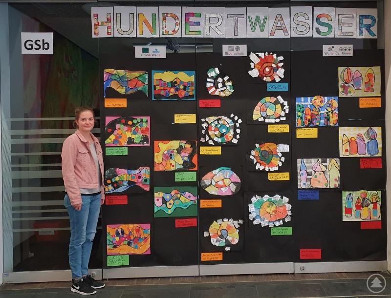Barbara Schell und die Schülerarbeiten der aktuellen Hundertwasser Ausstellung.