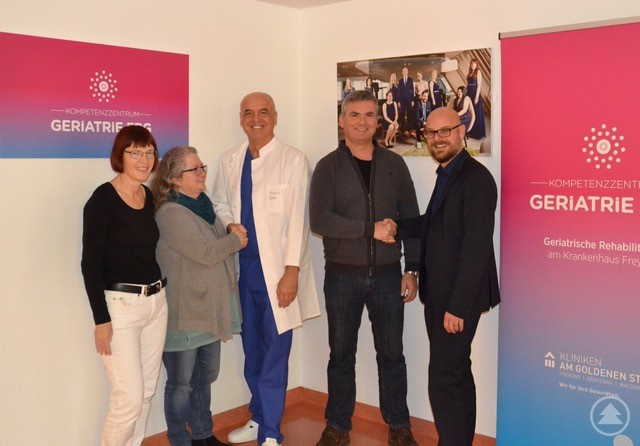 (v.l.) Dipl.-Med. Konstanze Wallstab, Fr. Thalhammer, CA Dr. Roland Friedlmeier, Herr Vicari, KD Christian Hofbauer