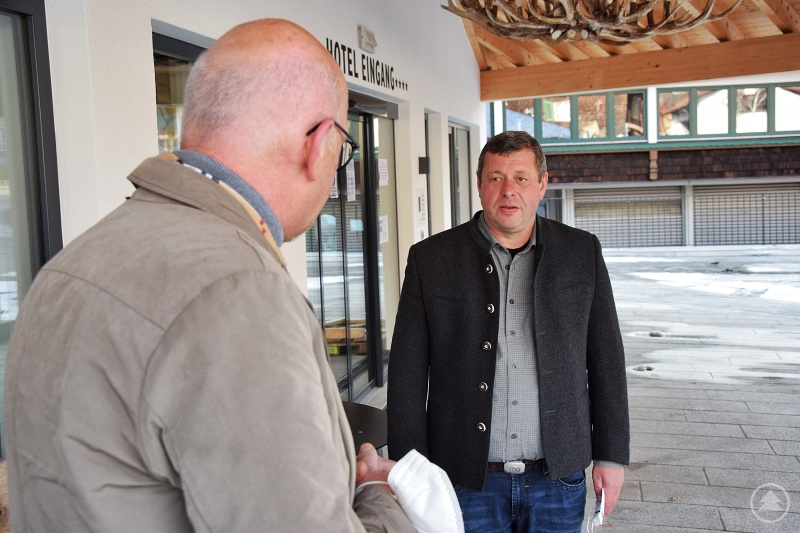 MdL Manfred Eibl im Gespräch mit Franz Adam.