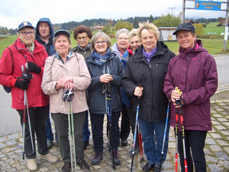 Die Kursteilnehmer mit Frau Brigitte Hinterberger (rechts im Bild)