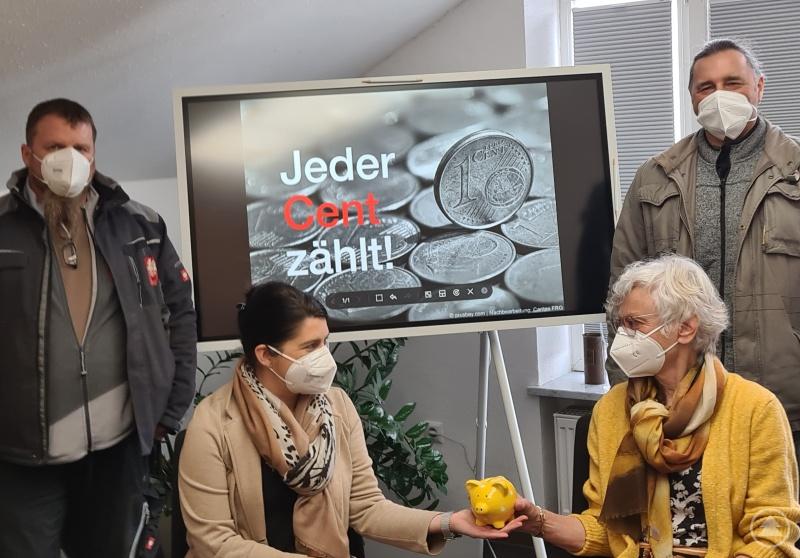 Ziehen auch bei der Restcent-Aktion zugunsten der Caritas Kinder- und Jugendstiftung (KIJU) an einem Strang (v.li.): Alexandra Aulinger-Lorenz (KIJU-Vorsitzende), Christian Drexler (MAV-Vorsitzender), sein Stellvertreter Günther Loibl und Irene Hilz (Mitglied des Stiftungsrats)