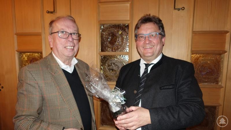 v.l.: Rotary Präsident Alois Atzinger, Diakon Konrad Niederländer
