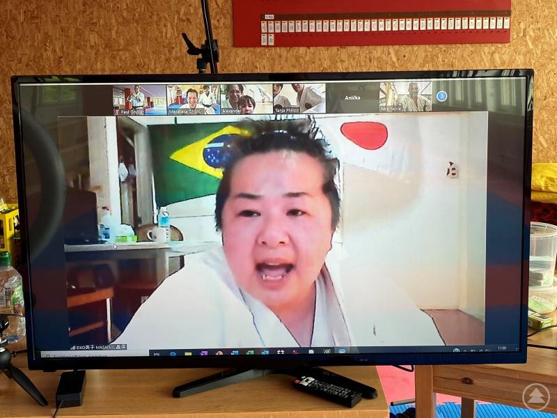 Karatemeisterin Eiko Masayasu aus Osaka/ Japan