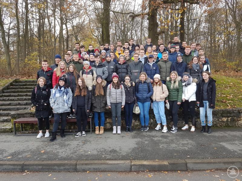 Die Q11 des Gymnasiums Freyung auf den Spuren von Schiller und Goethe in Weimar.