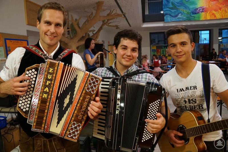 Bayerische Musik mit Andreas König (v.l.), Julian Vater und Pascal Sigl