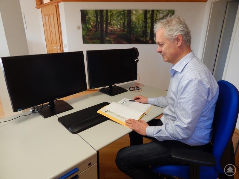 Der Geschäftsführer der EVG, Josef Pauli, ist überzeugt vom produktiven und modernen Arbeitsumfeld der flexibel buchbaren Büroräume in Perlesreut.